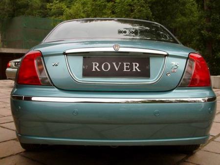 Rover 75的仪表板会使你意识到它是一辆真正的   豪华车 ...