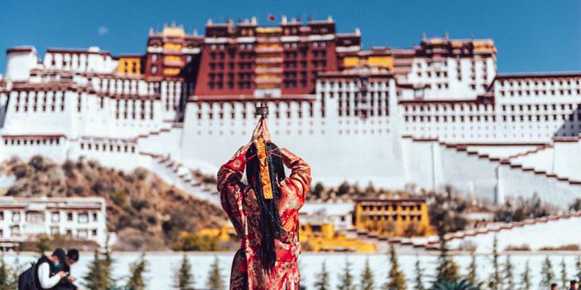"""In西藏林芝,遇见中国最美春天,""""观""""中国最美雪山"""