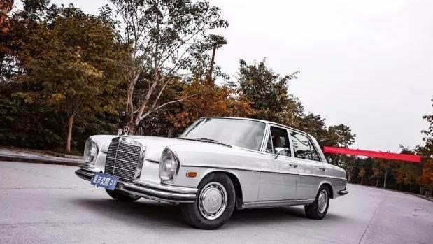 重庆大学里深藏的经典老爷车