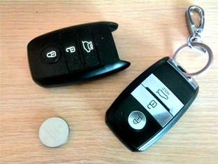车主动手 起亚K3更换钥匙电池
