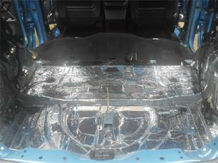 自给自足 陆风X7升级整车隔音
