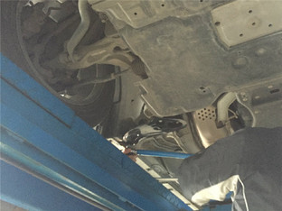 惊天发现 英菲尼迪Q50装支撑杆