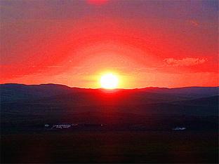 夕阳西下 赏内蒙草原日落美景