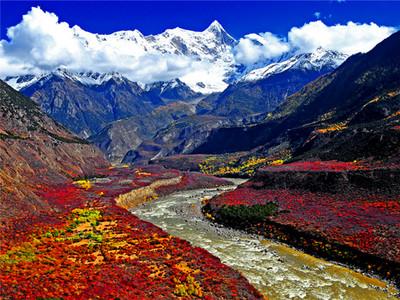 拍摄雅鲁藏布江峡谷
