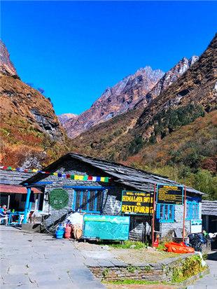 跋山涉水抵达尼泊尔