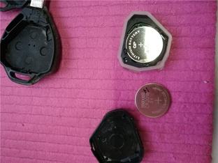 步骤详细 和悦RS换车钥匙电池