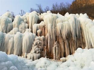 涞源十瀑峡冰瀑奇观