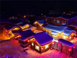 中国雪乡被银色笼罩