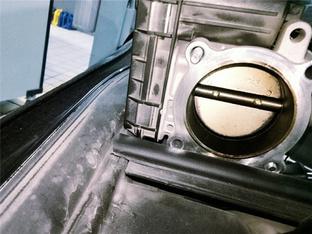 改善启动转速问题 博瑞清洗节气门纪实