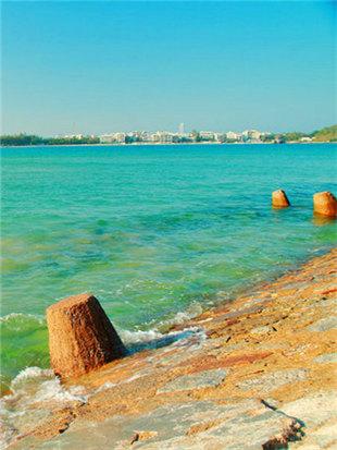 享受海南岛椰风习习