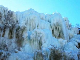 龙门涧冰瀑令人称奇