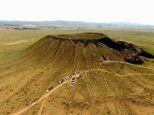 难得一见 探访乌兰哈达火山群