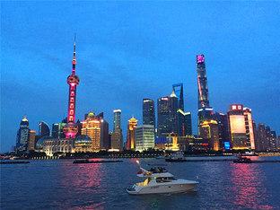 黄浦江畔 捕捉到外滩最美夜景