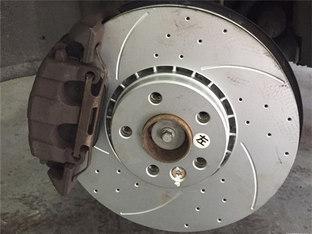 磨损严重 沃尔沃XC60换刹车盘
