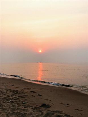 观黄金海岸日出东方