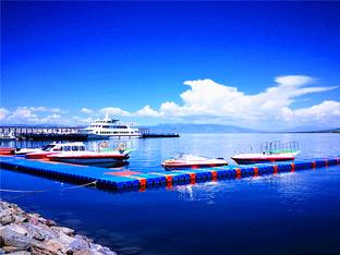 水天一色 青海湖犹如大地之镜
