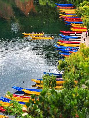 静享泸沽湖水光潋滟