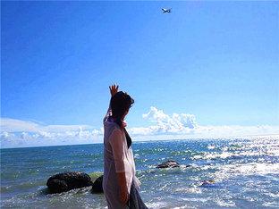 海浪拍打着礁石 述一家人的海南7天游记