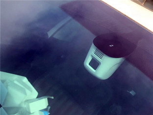不臃肿很和谐 明锐旅行版装行车记录仪