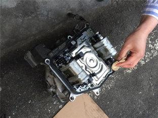 仪表盘突然异常 途安机电单元故障修理