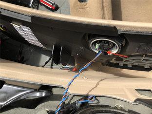 宝马E46 3系敞篷解决滑块联动装置问题