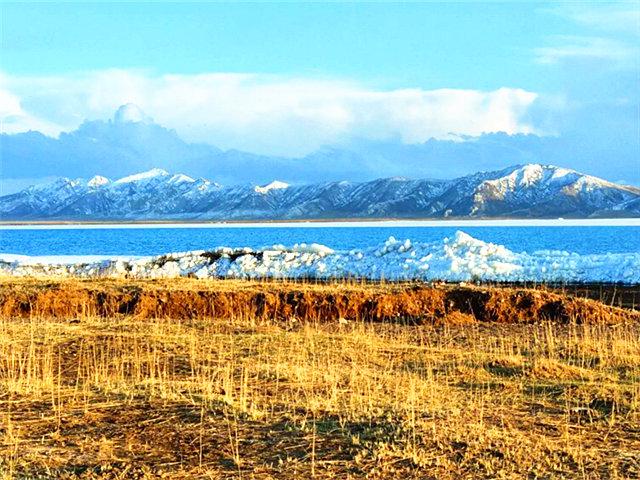 叹哈拉湖如此多娇