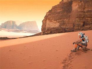 瓦迪拉姆  行走在中东的沙漠上