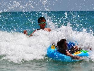 涠洲岛 适合小朋友玩耍的海滩