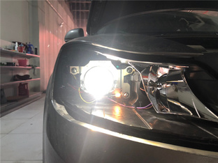 PQ35平台明锐升级氙气大灯 阿帕5PLUS