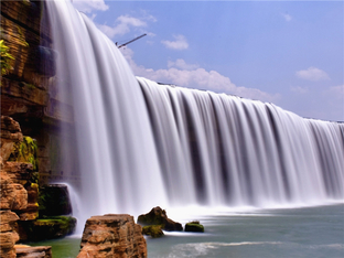去练练手 亚洲最大的人工瀑布