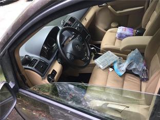 途安更换前门车窗 玻璃导向槽及密封条