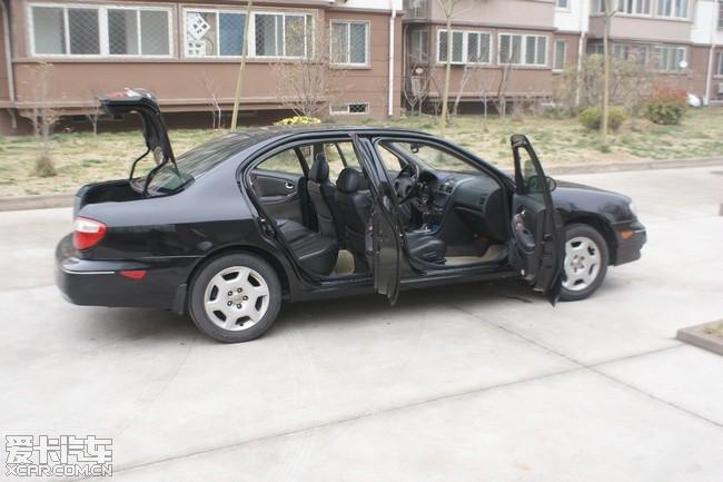 英菲尼迪 日产尼桑风度a33美版 黑色黑笼 3.85w 二手车论高清图片