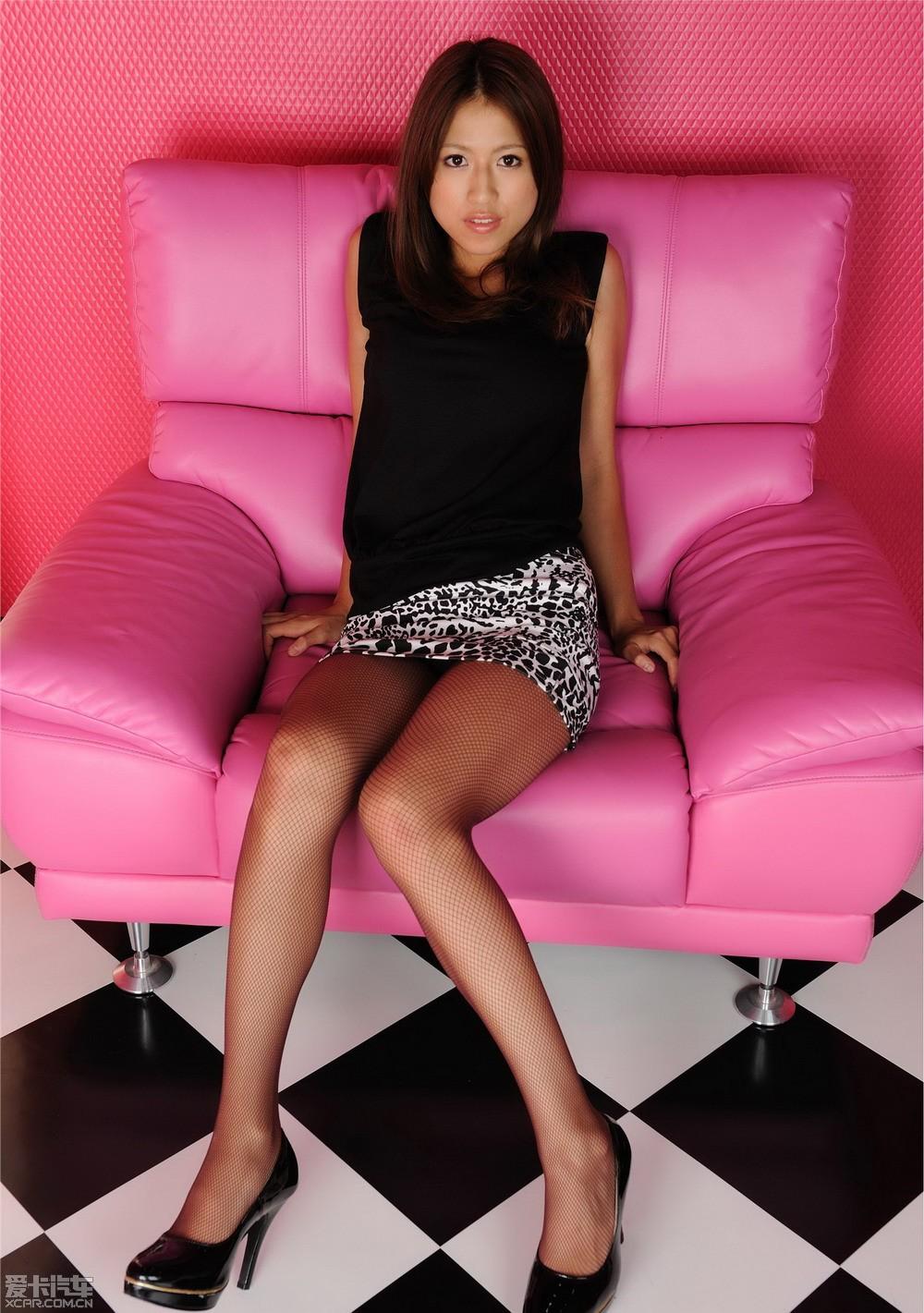 长腿美女sy粉色浪漫写真高清大图!