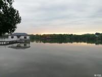 华中科技大学喻家山后的东湖绿道