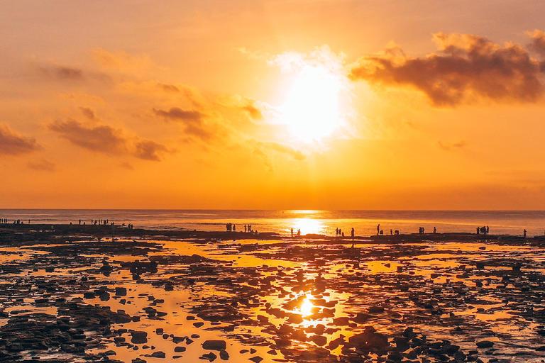 追着日落去赶海,北海旅游欢乐多