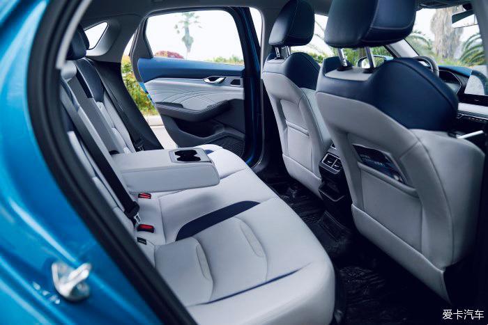 <br /> 吉利星瑞——年轻人第一辆车的首选<br />