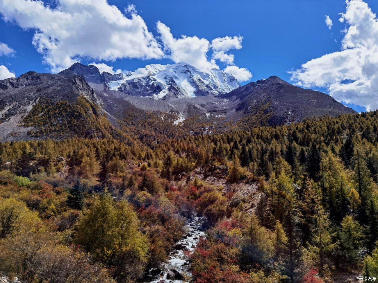国庆大假甘孜州道孚县游亚拉雪山和墨石公园